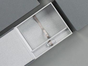 foliobox_-_box_and_prints_550x275_7